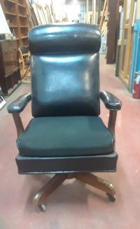 HOCH446 Judges Swivel Chair